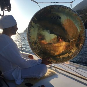 Eolie in Barca a Vela con Yoga e Gong Therapy
