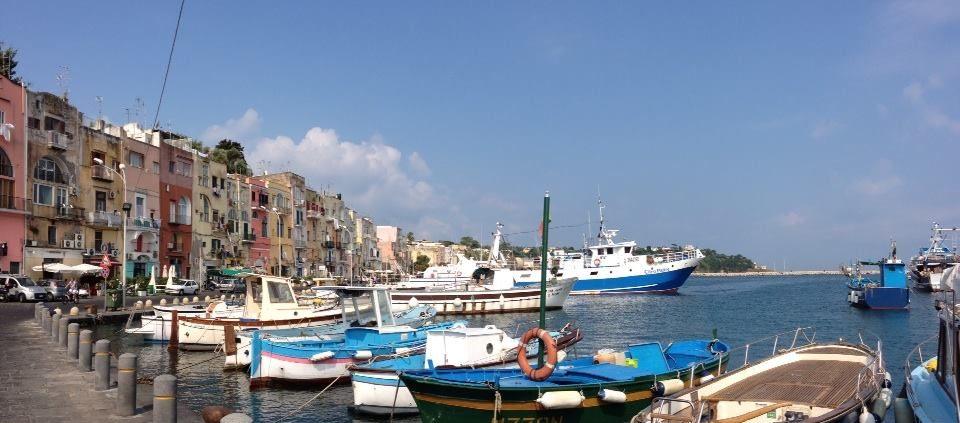 Viaggio in Barca a Vela a Procida
