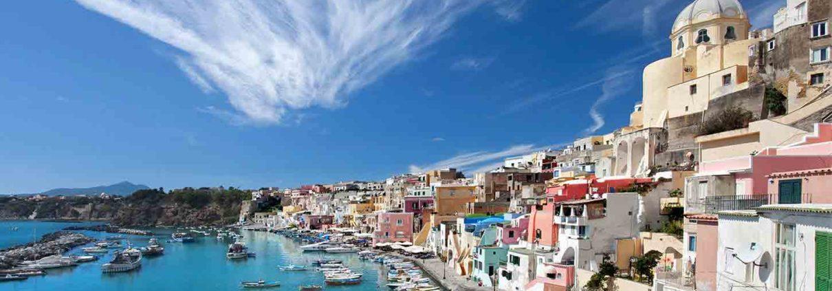 Vacanze in Barca a Vela a Ischia e Capri