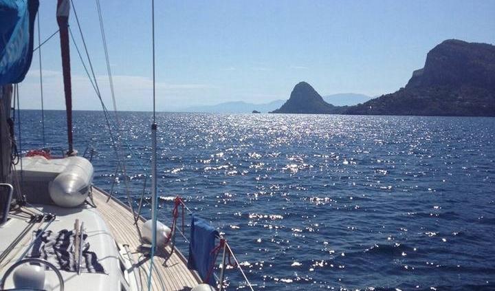 Yoga e vela cabincharter isole Egadi